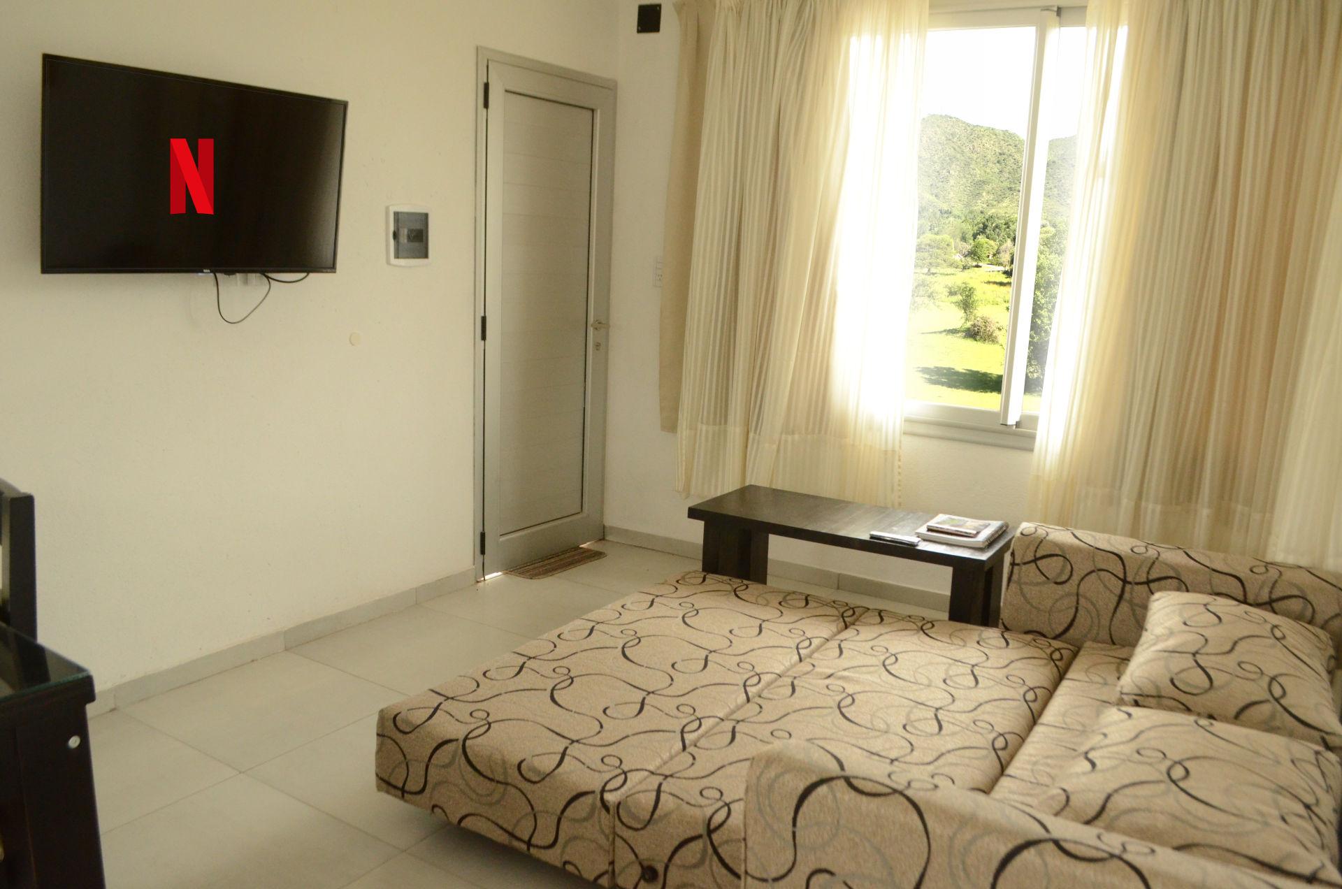 Sofa cama dos plazas netflix tv cable hotel los condores sierras villa general belgrano cordoba